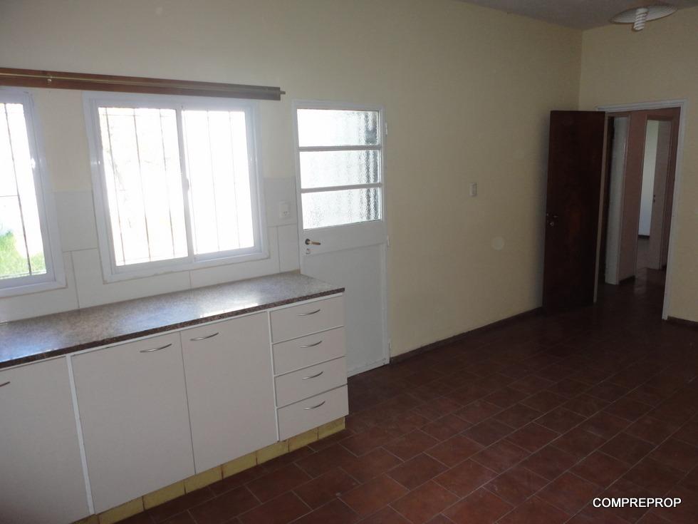 casa en venta b° ayacucho 3 dormitorios cochera cordoba
