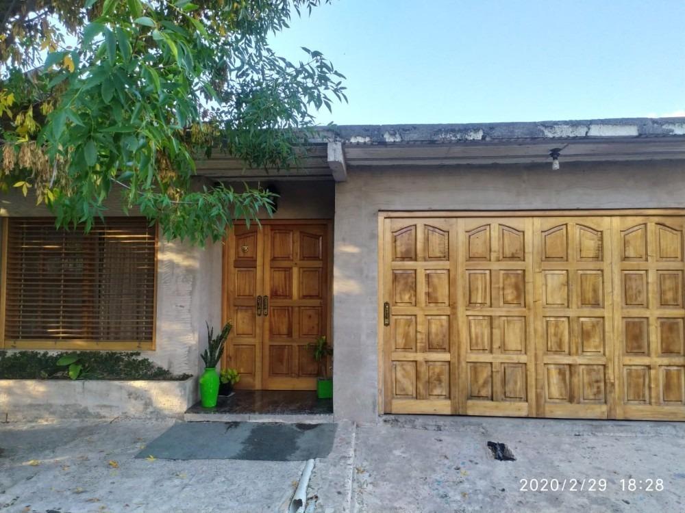 casa en venta barrio cancha de pato a 3 cuadras ruta 7.
