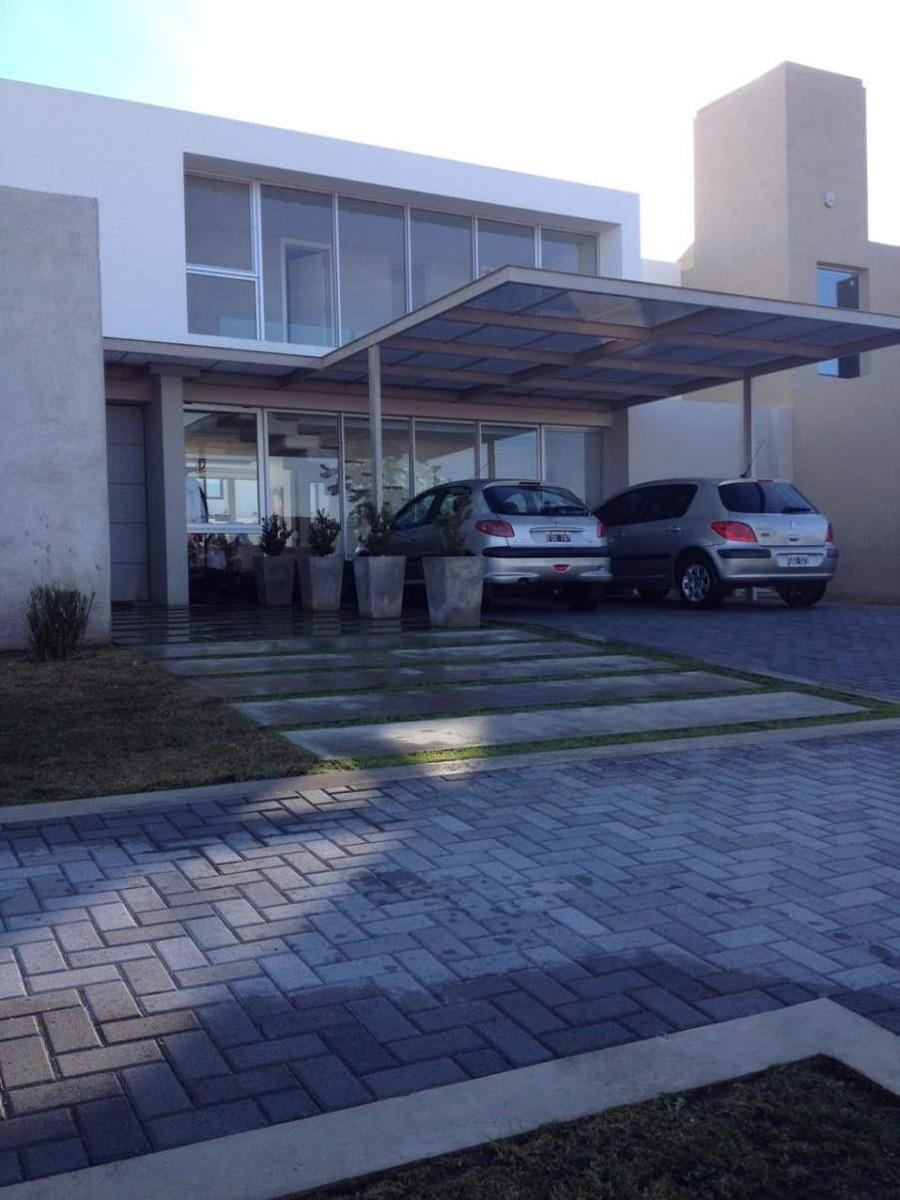 casa en venta barrio cerrado  tres dormitorios - jardin claret - zona norte