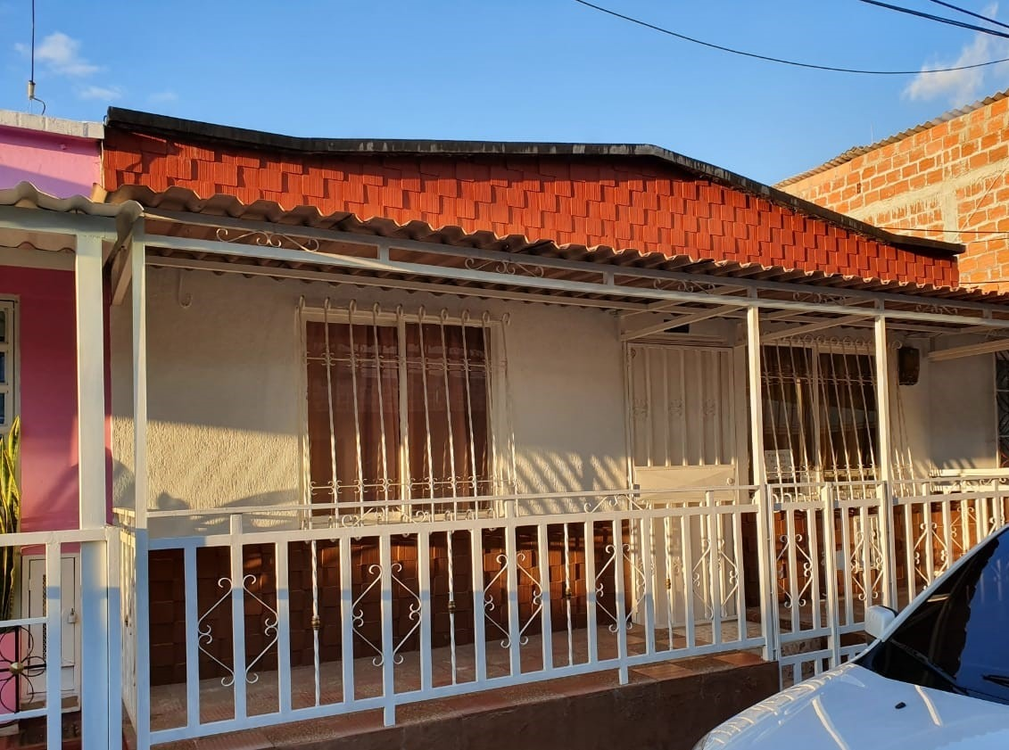 casa en venta, barrio cooperativo. precio negociable