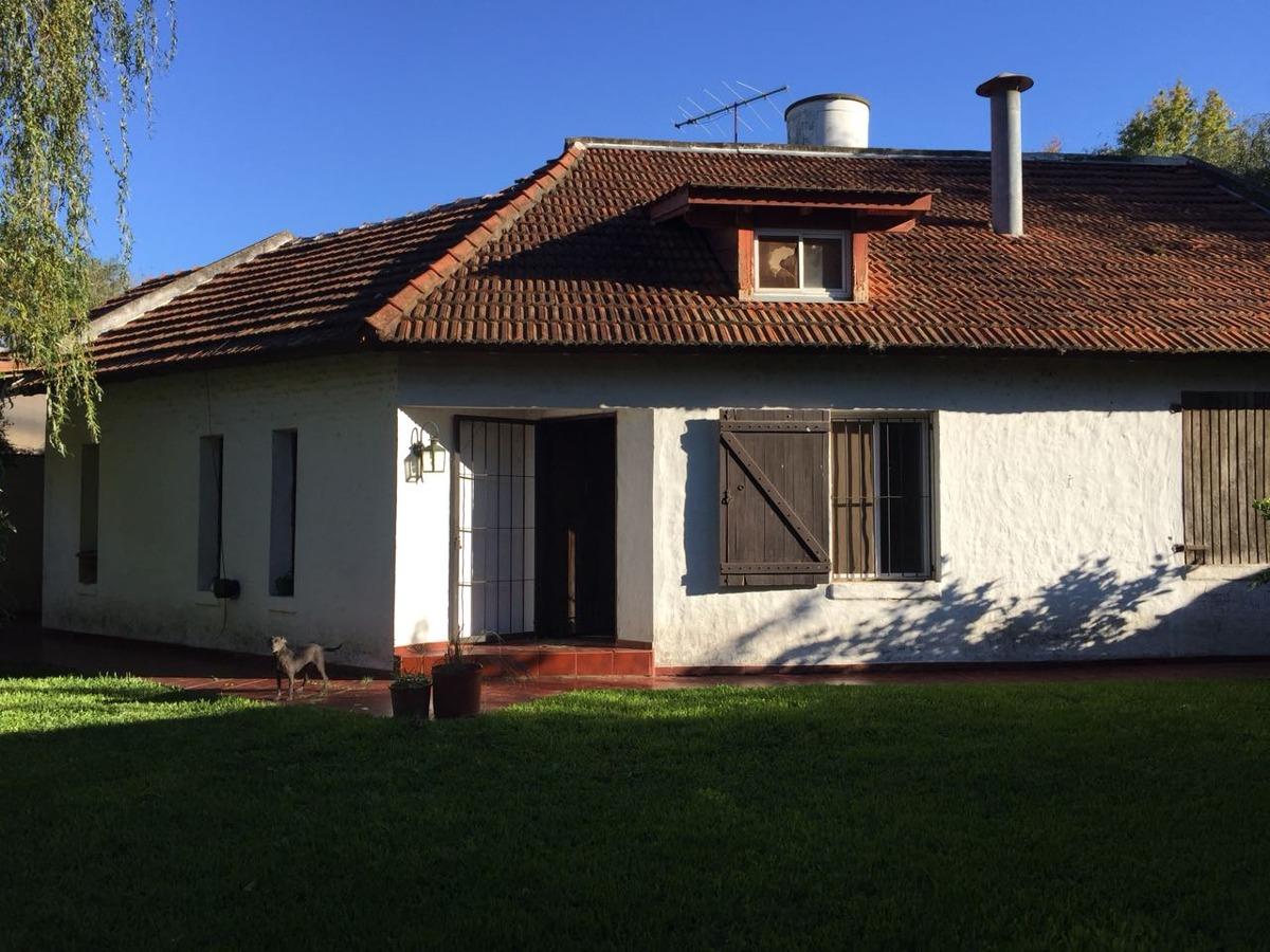 casa en venta, barrio el cazador, calle modigliani, entre el