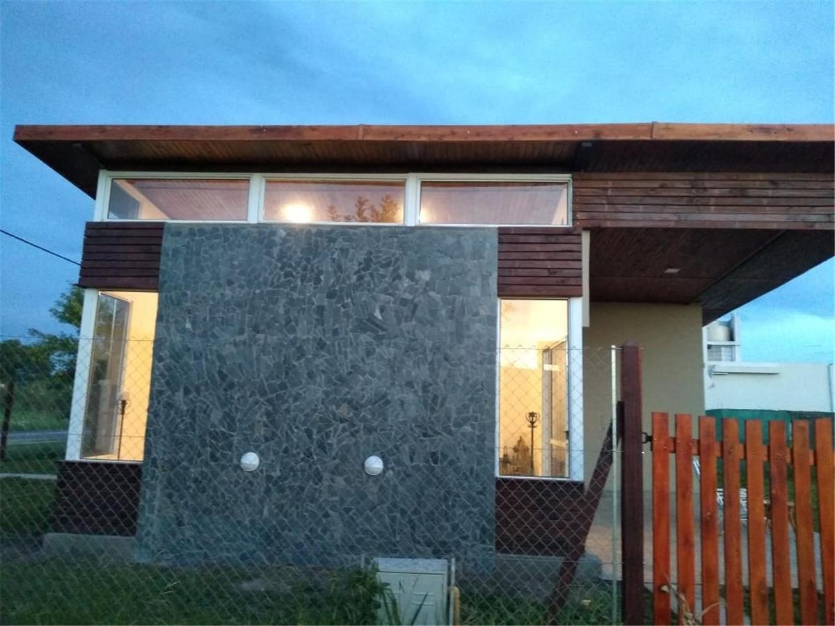 casa en venta, barrio las tardes roldan!!