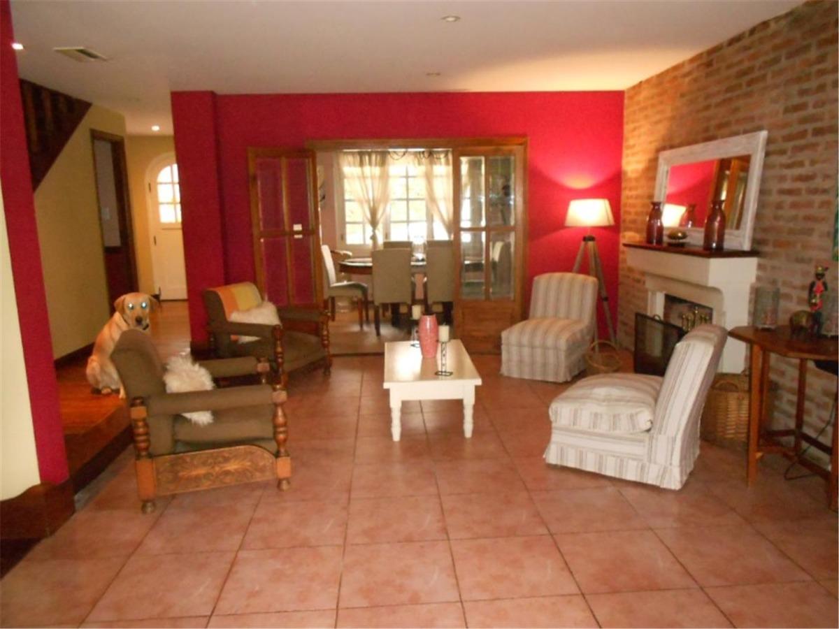 casa en venta :: barrio privado el jaguel :: 5 ambientes