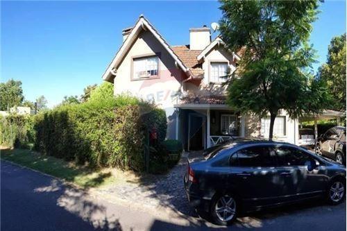 casa en venta  barrio privado  los abedules