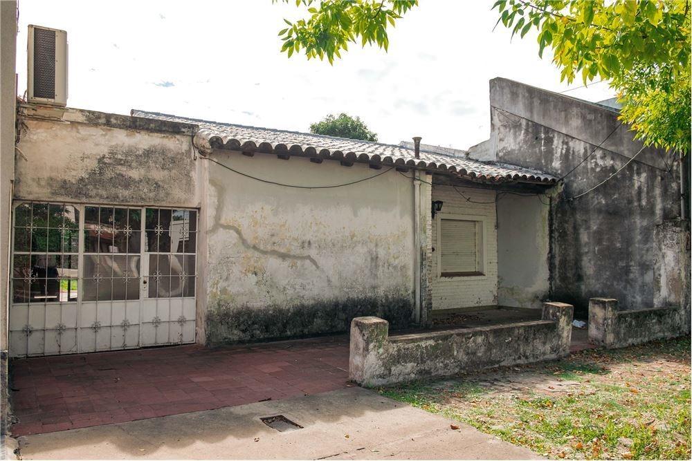 casa en venta barrio sarmiento. reconquista