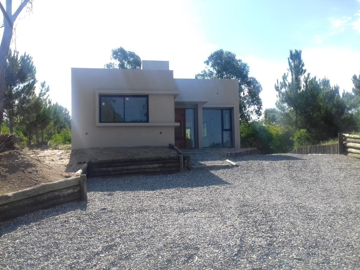 casa en venta barrio senderos en costa esmeralda