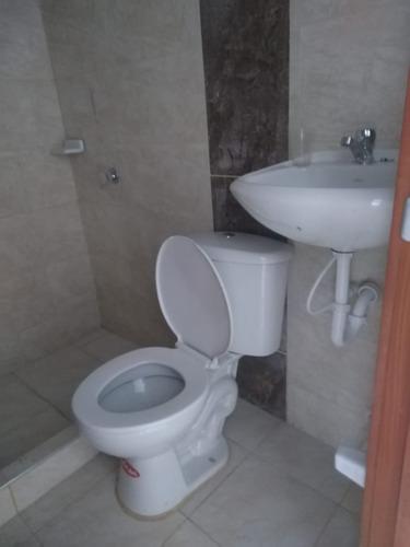 casa en venta bosa islandia 3x12 m2