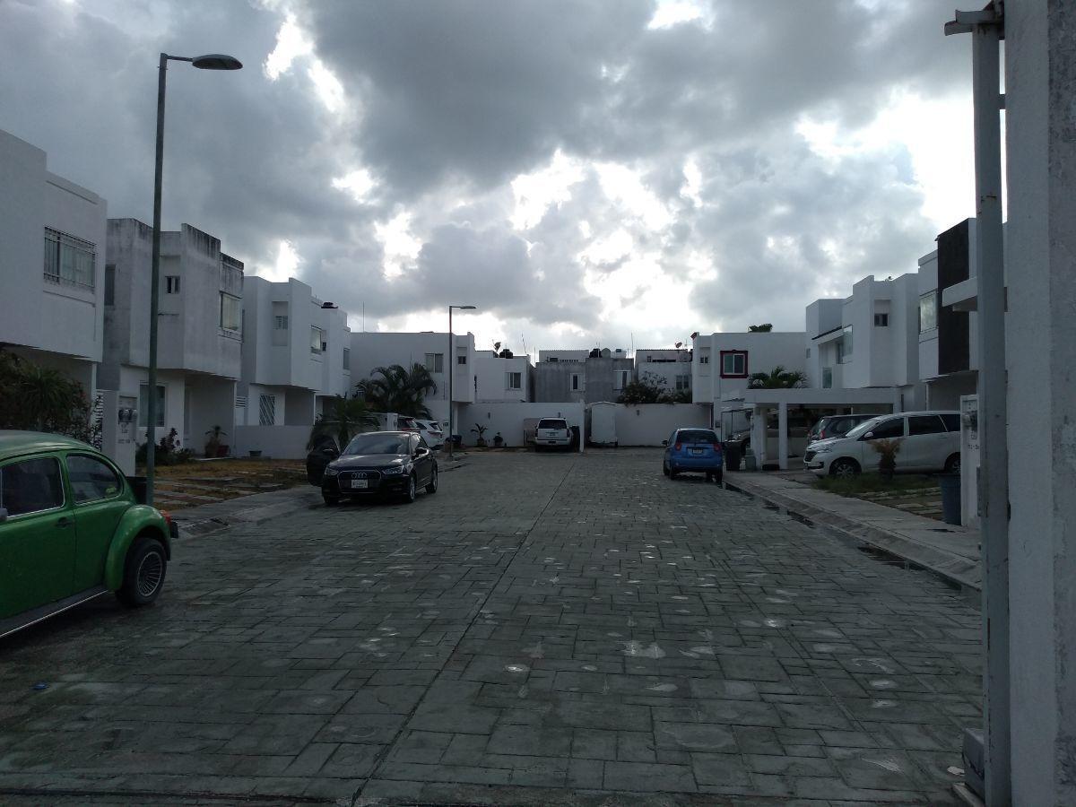 casa en venta, cancún, av. 135, 4 habitaciones, completamente amueblada