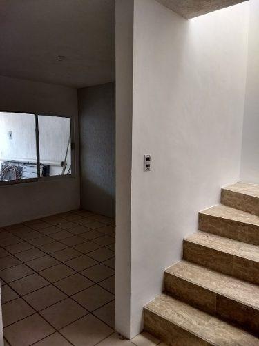 casa en venta cerca de camino real $1, 300,000