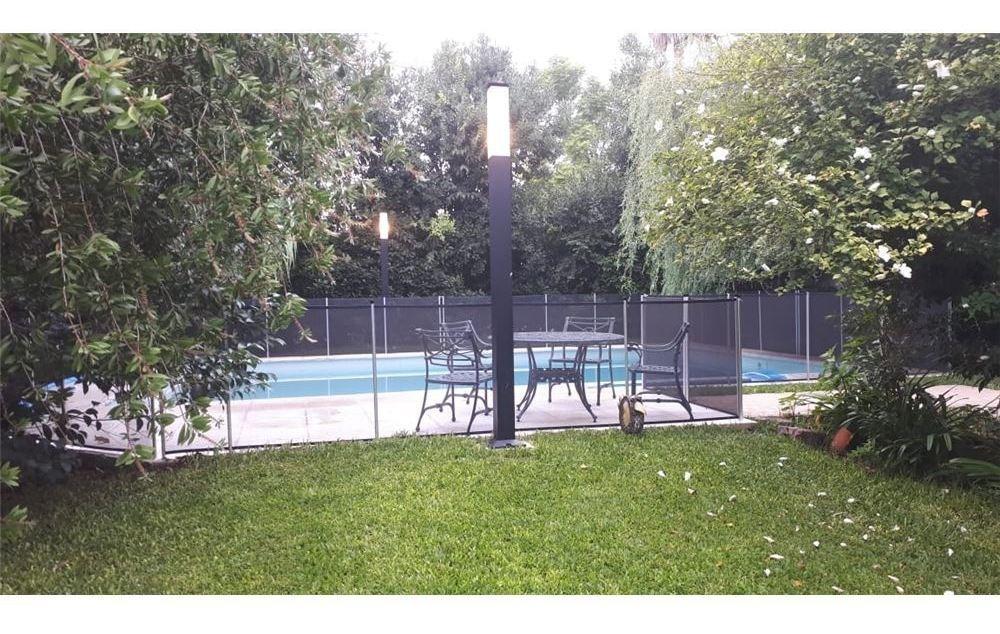 casa en venta city bell con parque y pileta 3 dorm
