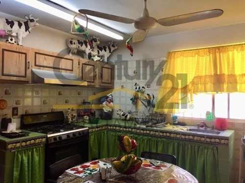 casa en venta, col. cascajal, zona centro, tampico, tamaulipas.