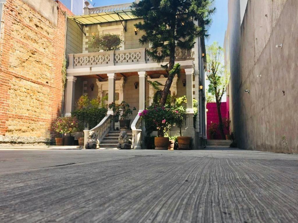 casa en venta colonia roma. con uso de suelo y estacionamiento para 10 autos