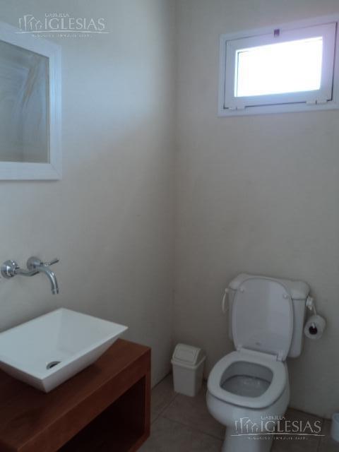 casa en venta con 3 dormitorio - barrio los alisos