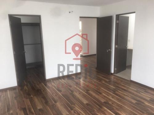casa en venta con 3 hab + cto de servicio en juriquilla