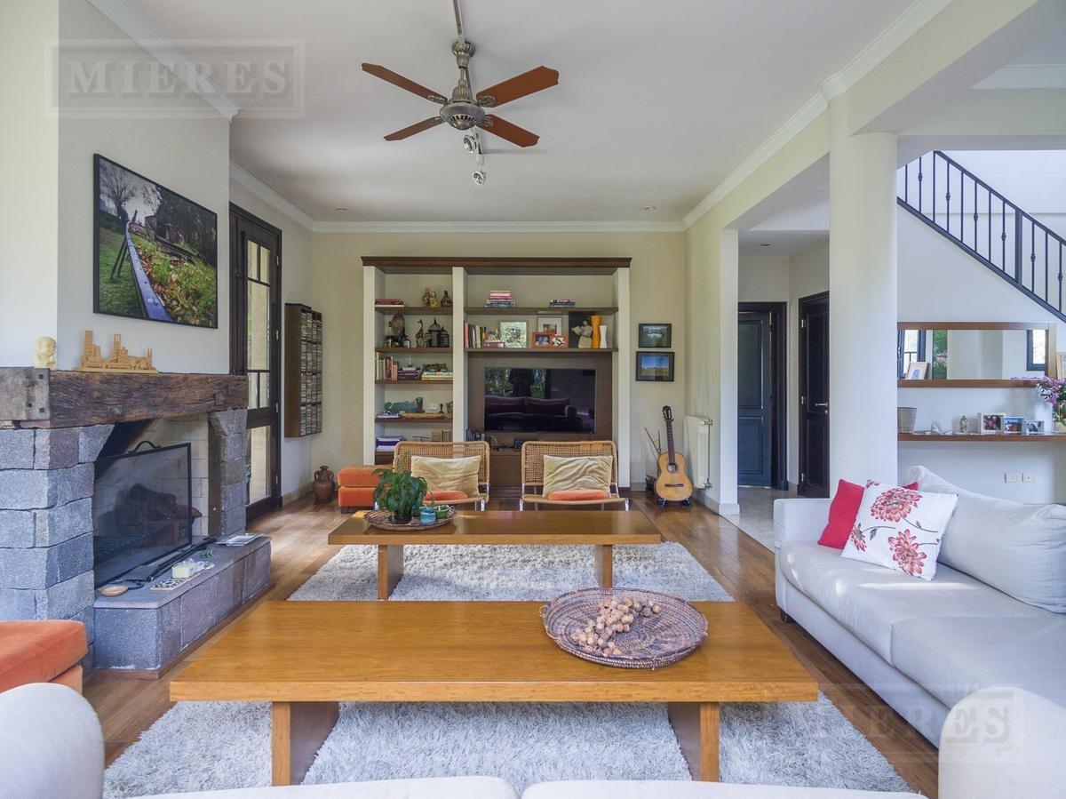 casa en venta con 4 dormitorios a la laguna en las palmas