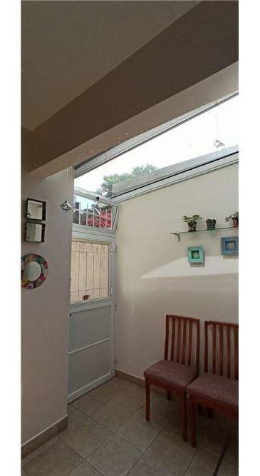 casa en venta con 4 dormitorios, jardín y pileta en la mejor zona de la lucila vicente lopez