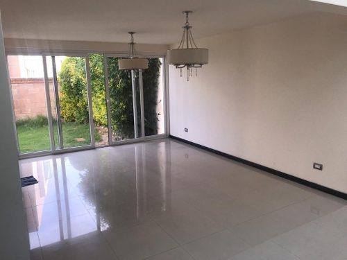 casa en venta con 4 habitaciones en parque terranova lomas de angelopolis ll zona sonata