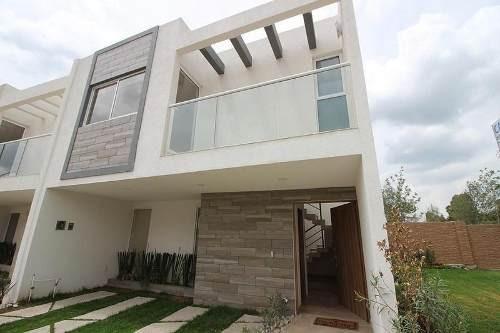 casa en venta con 4 recámaras en lomas de angelópolis iii
