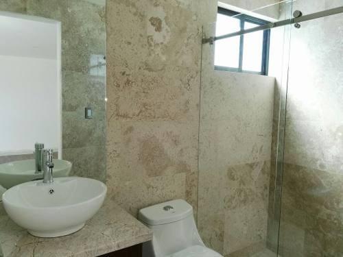 casa en venta con 5 recámaras. lomas deangelópolis 999