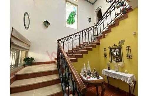 casa en venta con alberca en fraccionamiento frondoso en torreón coahuila