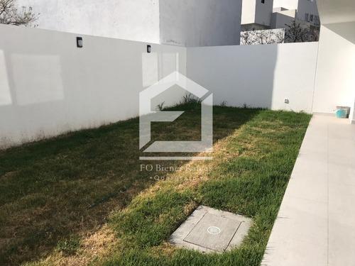 casa en venta con amplio jardín