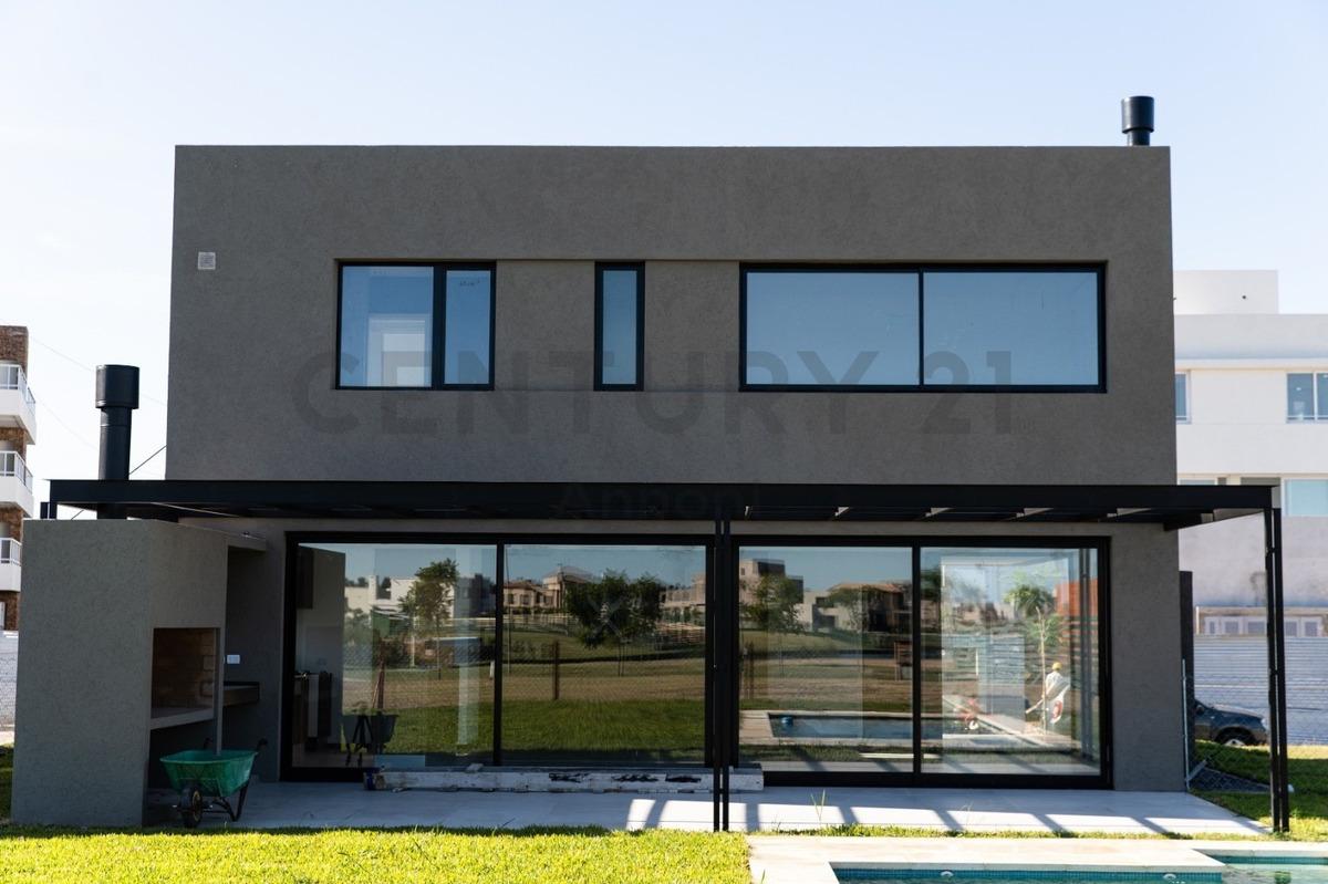 casa en venta con financiación a estrenar en castaños sobre lote interno