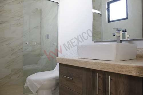 casa en venta con habitación en pb, privada san angel i $4,000,000.00