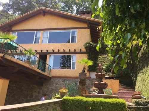 casa en venta con hermosa vista al lago