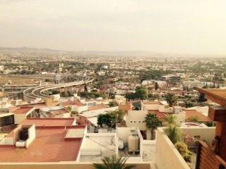 casa en venta con hermosa vista de la ciudad en fracc. balcones en qro. mex.