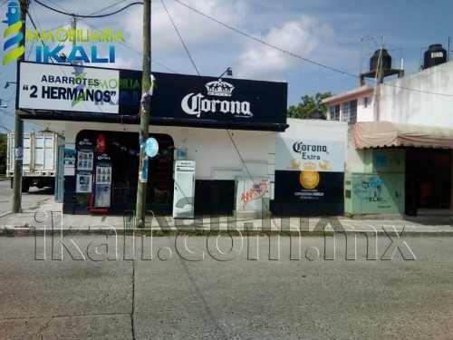 casa en venta con local comercial en coatzintla veracruz. casa con local comercial ubicado en la colonia kawuatzin en el municipio de coatzintla veracruz. la casa cuenta con dos niveles, en planta ba