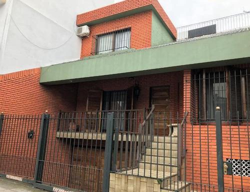 casa  en venta con patio y terraza - villa urquiza