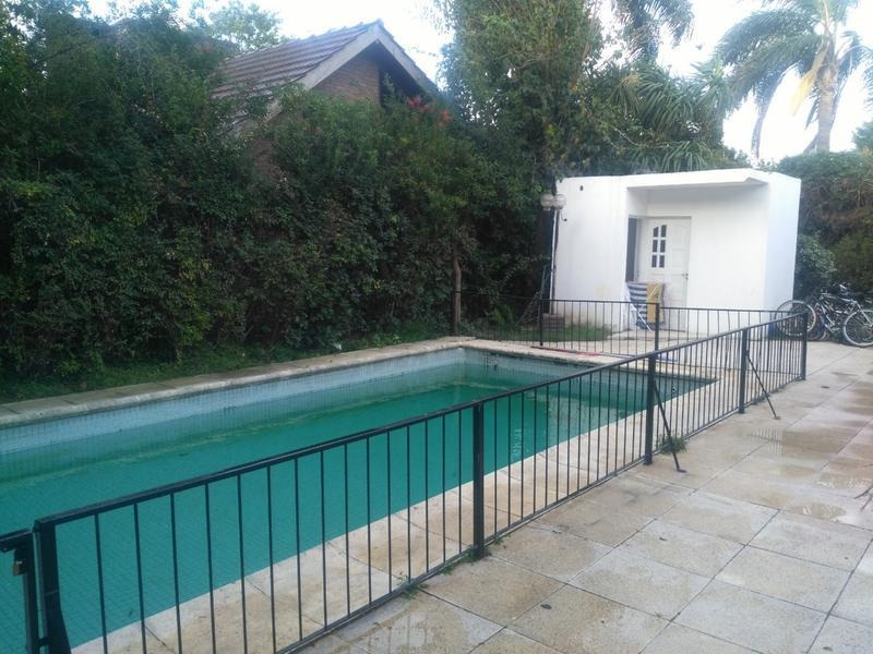 casa en venta con pileta en country miraflores - golf, tenis, futbol y gym