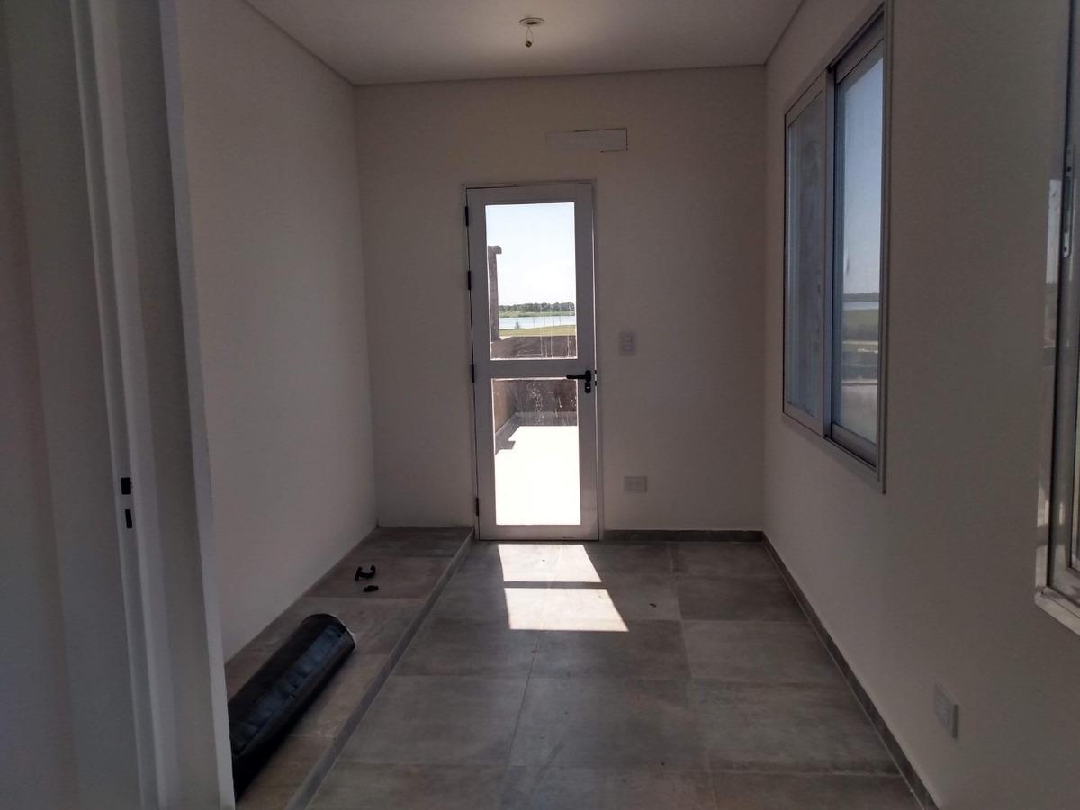 casa en venta con pileta en puertos araucarias