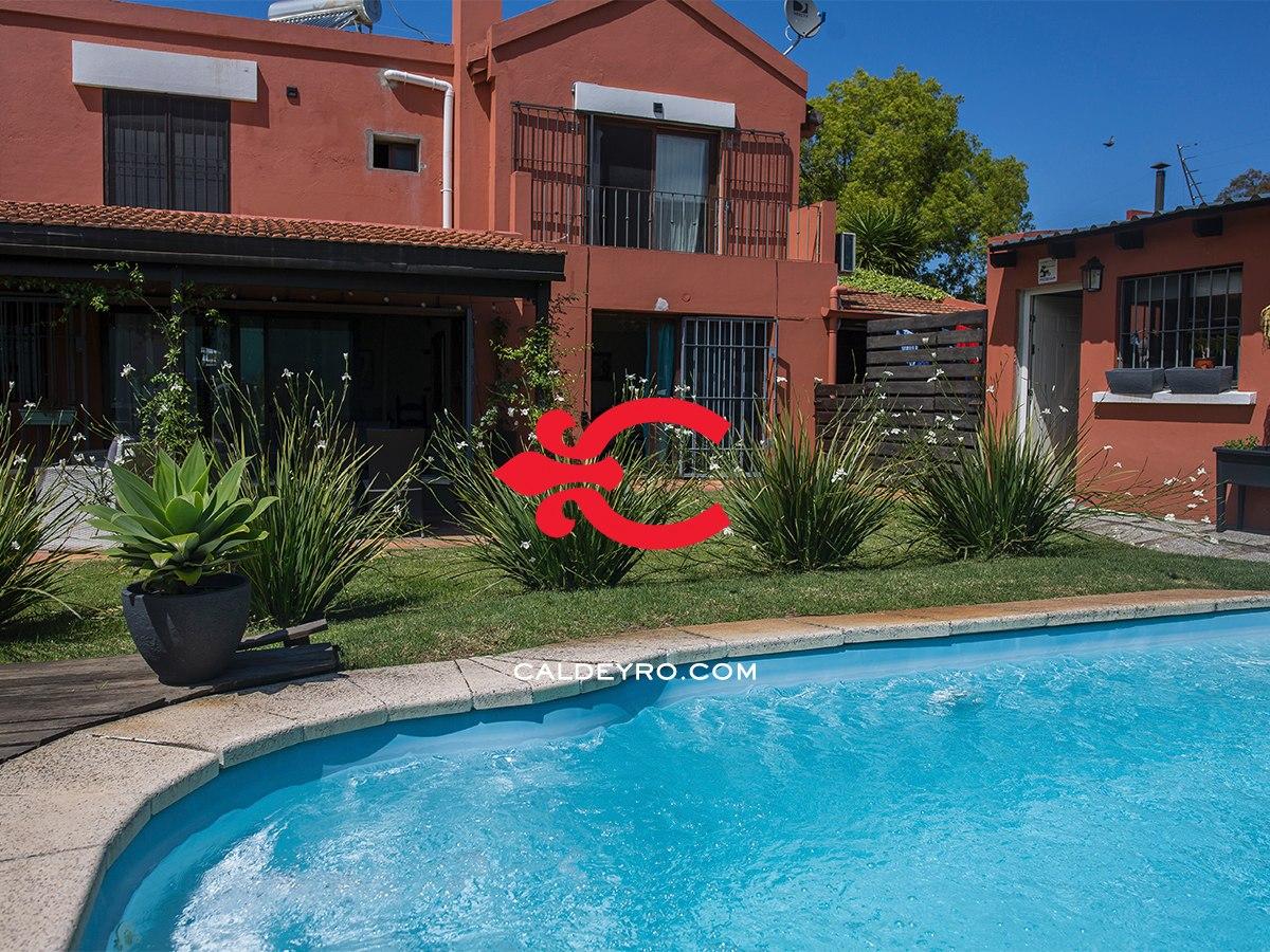 casa en venta con piscina en parque miramar ref.: 6905