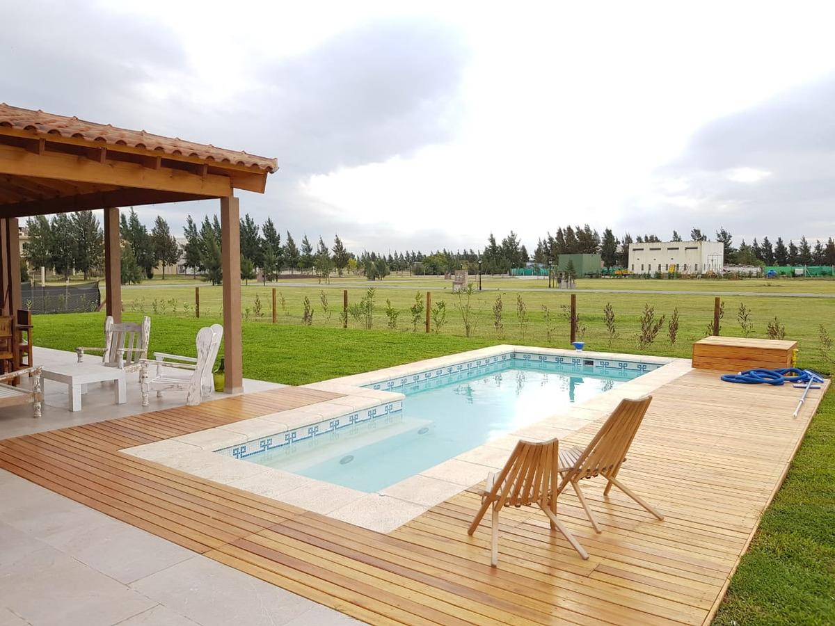 casa en venta con piscina, principado country club canning