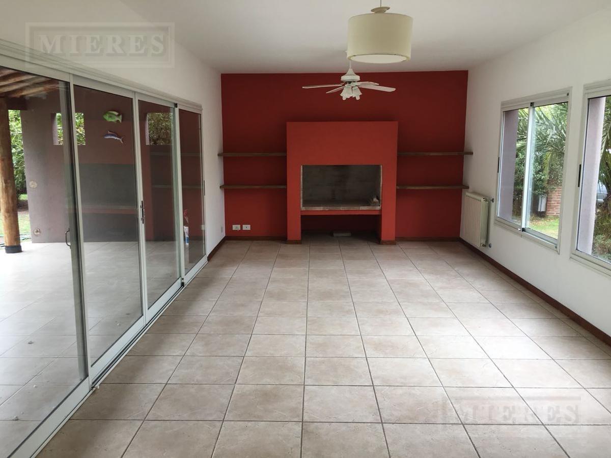 casa en venta con renta hasta sep 2021 - estilo moderno - san isidro labrador, villanueva