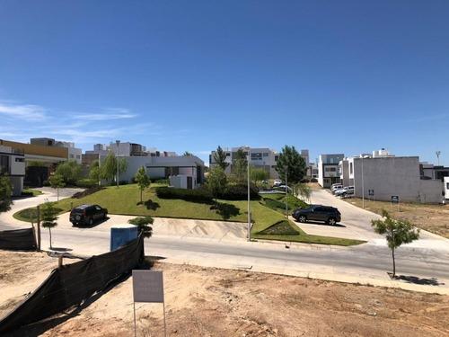 casa en venta con roof garden en valle imperial