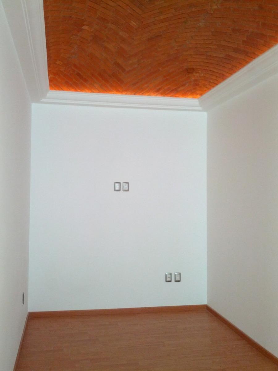 casa en venta con tres recamaras cada una con baño
