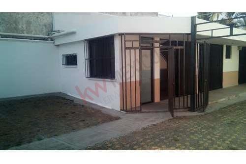 casa en venta con uso comercial o de oficinas en cuernavaca