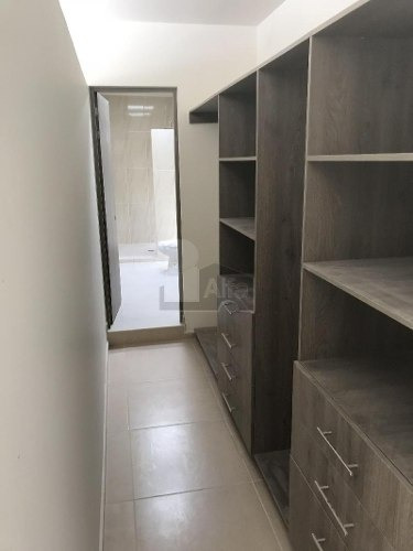 casa en venta condominio agave zibata casa en esquina con 3 recamaras y amplio estudio en pb