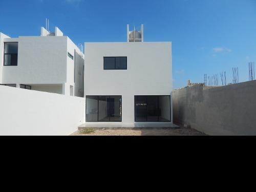 casa en venta, conkal, zona de alta plusvalía. cv-5834