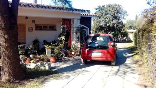 casa en venta córdoba zona norte barrio arguello zona rivera indarte. terreno de 1700 m2 ºunica y precio a tono
