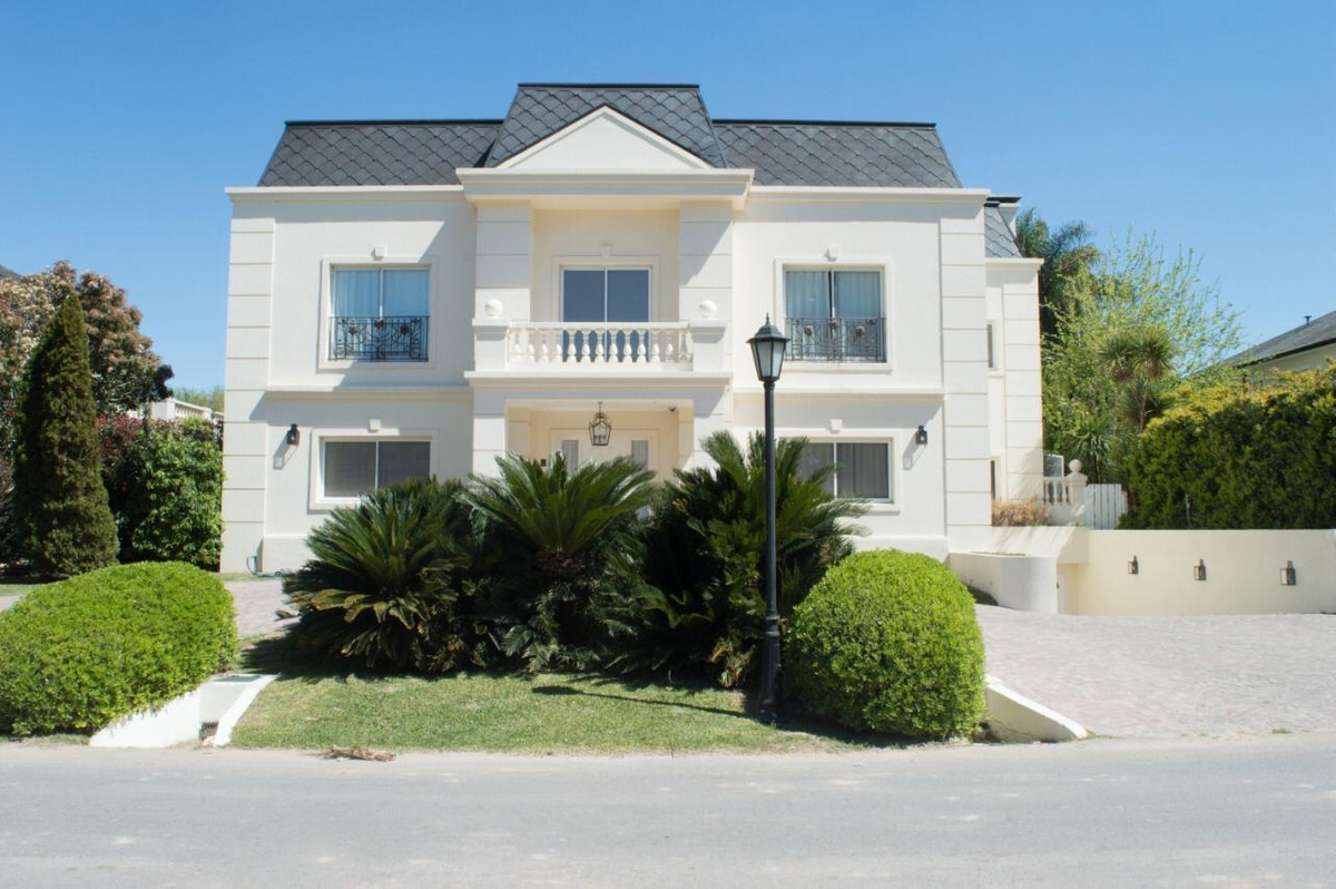 casa en venta country abril club de campo