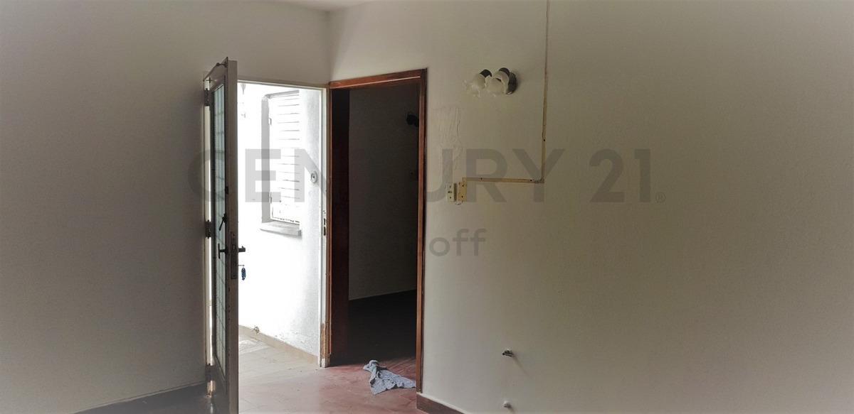 casa en venta de 2 dormitorios en ensenada.