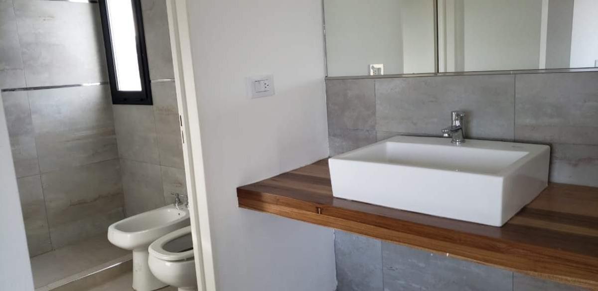 casa en venta de 2 dormitorios en las cañitas barrio privado