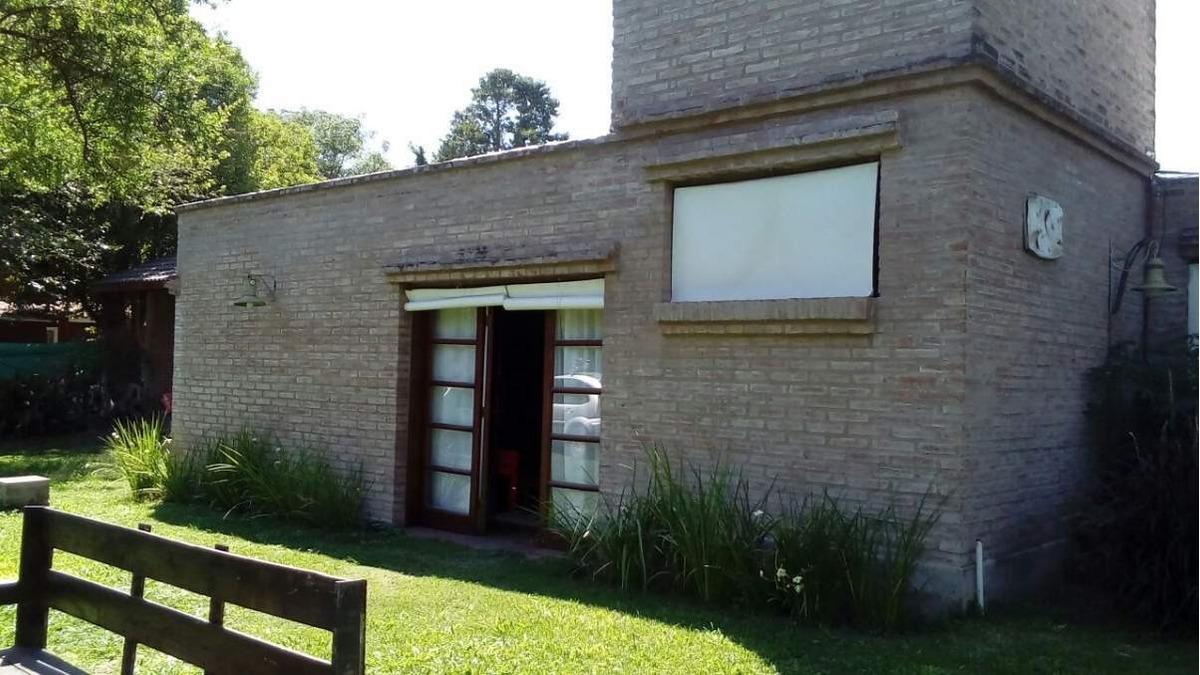 casa en venta de 2 dormitorios en villa allende