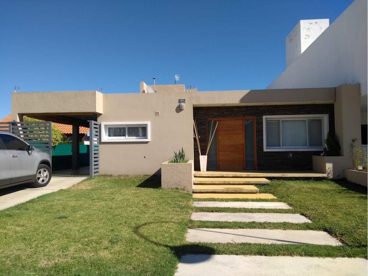casa en venta de 2 dormotorios en las cañitas barrio privado