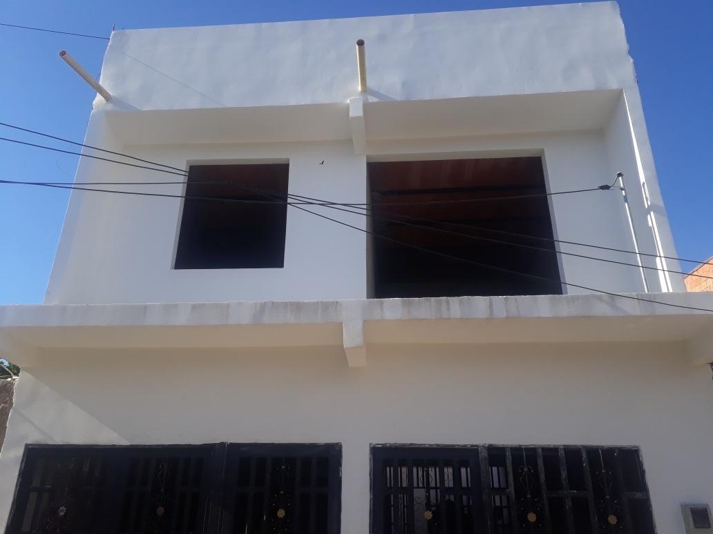 casa en venta de 2 pisos