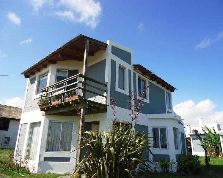 casa en venta de 3 dormitorios en balneario buenos aires
