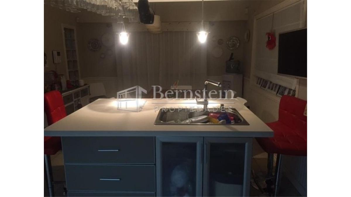casa en venta de 3 dormitorios en castelar